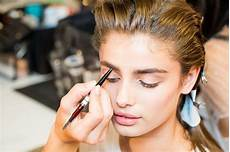 how to apply makeup makeup artists techniques and tricks