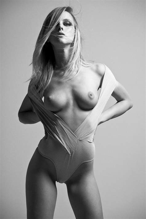 Best Naked Babes Pics