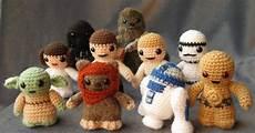 amigurumi wars lucyravenscar crochet creatures wars mini amigurumi