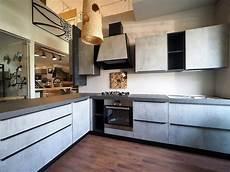 cucina con cucina grigia moderna con penisola sconto 60 prezzo outlet