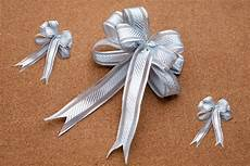 How To Fold Ribbon How To Make A Bow Out Of Ribbon With Pictures Ehow