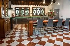 pavimenti a scacchiera pavimenti in marmo travertino alla veneziana all