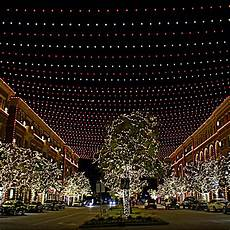 Where To Look At Christmas Lights In Dallas Most Spectacular Christmas Light Displays Around Dallas