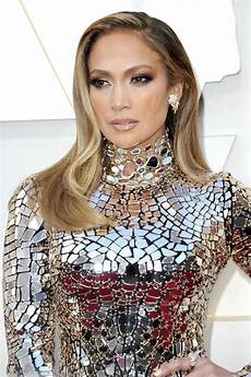 jennifer lopez looked stunning but without glow at the