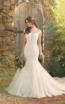 beadwork wedding mermaid wedding dress with rich beadwork of