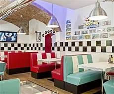 arredamento stile anni 50 arredamento stile americano sgabelli divanetti sof 224 anni 50