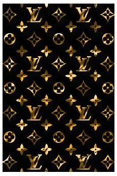 Supreme Wallpaper Gold by Pin By ℳ𝒾𝒸𝒽𝑒𝓁𝓁𝑒 On ℓσυιѕ νυιттσи In 2019 Chanel