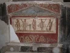 pin de herce grijalba en lararium romanos fresco