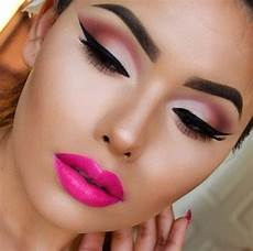 5 pink eye makeup looks to try during s