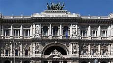 corte suprema italia corte di cassazione funzioni della corte