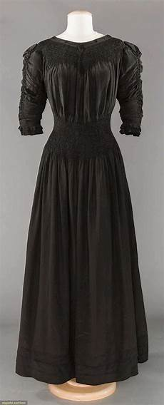 rate the dress all black aestheticism the dreamstress