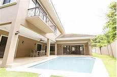 Four Bedroom House For Rent 4 Bedroom House With Swimming Pool For Rent In Town