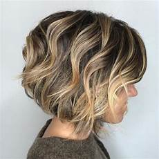 frisuren damen blond bob 60 layered bob styles modern haircuts with layers for any
