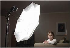 How To Use Umbrella Lights In Video Strobist Lighting 101 Using Umbrellas