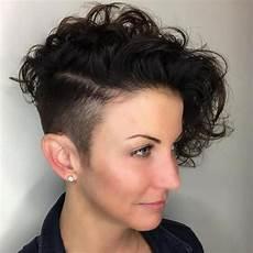 kurzhaarfrisuren locken undercut asymmetrical curly hair styles 2018 2019 bob