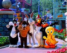 Six Flags Characters Scvnews Com Nov 21 Six Flags Magic Mountain Collects