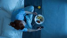 Sleeping With Lights On Linked To Weight Gain Sleeping In Front Of The Tv Could Make Women Gain Weight