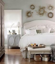 decorare da letto come decorare la parete letto la figurina