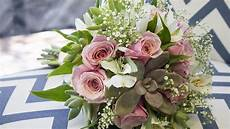 how to make a succulent wedding bouquet in 9 easy steps