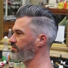 frisuren männer pompadour wie einen modernen pompadour style mann 2018