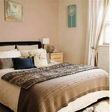 Decorating Ideas For Bedrooms Bedroom Decorating Ideas On A Small Budget Interior