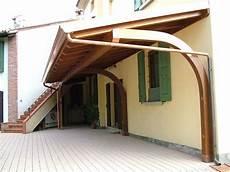 perlinato soffitto porticato a sbalzo ad una falda linea classica