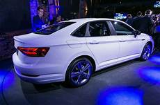 vw jetta 2019 mexico 2019 volkswagen jetta r line rear side view 1 motor trend