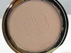 Tarte Confidence Creamy Powder Foundation Light Beige Tarte Confidence Creamy Powder Foundation Review