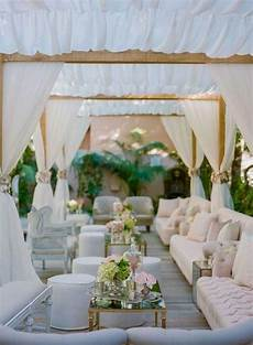 creating that wow factor when you re on a low budget wedding