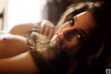 Zoe Saldana Nude Pictures