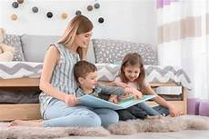 Nanny Or Babysitting Jobs How To Become A Nanny Job Today