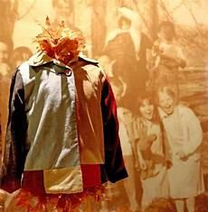 coats of many colors dolly parton lining dolly parton s quot coat of many colors quot the beginning