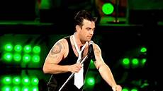 robbie williams supreme robbie williams supreme live at knebworth hd