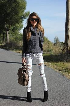 Light Ripped Jean Outfits 17 Best Images About Ripped Jeans On Pinterest Elle