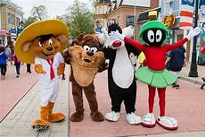 Six Flags Characters Six Flags America April 2016 Flickr