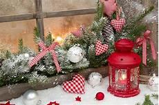 immagini candele natalizie atmosfera di natale con le candele ecco 15 idee per