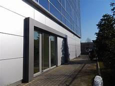 rivestimenti capannoni chiusure capannoni porte industriali
