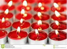 candele rosse candele profumate rosse immagine stock immagine di rosso