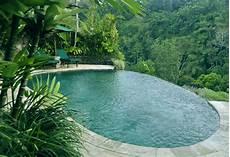 vsco di tepi kolam renang the royal pita maha untuk pengalaman sekali seumur hidup