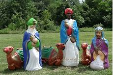 Outdoor Lighted Plastic Nativity Set Life Size Lighted Outdoor Nativity Wisemen W Camels