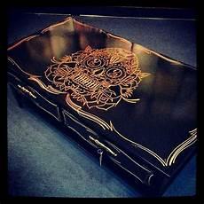 schlafzimmer ideen totenkopf skull table and drawers refurbished dekoration wohnen