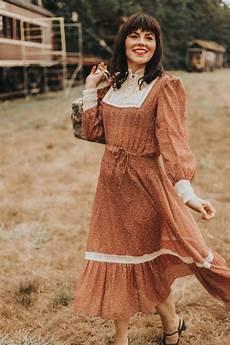vintage 1970s boho fall fashion lookbook for