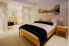 Ideas For A Bedroom How To Stretch Small Bedroom Designs Home Staging Tips