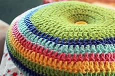 easy striped 16 quot pillow crochet pattern mamachee