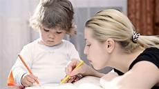 Looking For A Sitter Comment Sont Recrut 233 S Les Baby Sitter Dans Les Agences De