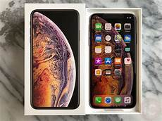 Iphone Xs Max Lock Screen Size by Iphone Xs Max Review Bigger Is Better But It Will Cost Ya