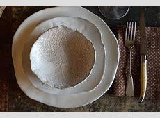 Ceramic dinner plates White dinnerware plates white on red