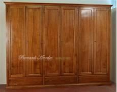 armadio legno massello armadio guardaroba classico in legno massello con 6 ante