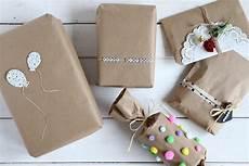 geschenke geschenke verpacken packpapier geschenke kreativ verpacken lavendelblog