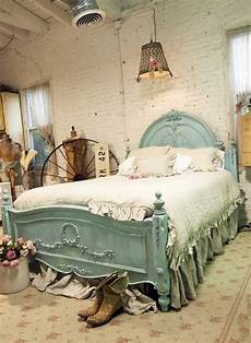 vintage bedroom decorating ideas tips and ideas for decorating a bedroom in vintage style